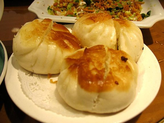 Baked buns with pork and dried scallop--very good.