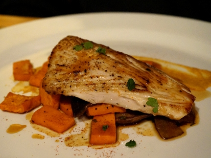 And now the third course: Smoked Mahi Mahi, roasted sweet potatoes, shiitakes & sherry jus. The fish was cooked nicely (though it didn't seem particularly smoked from the bite I took), everything was fine but it didn't really do it for me. I don't know that the veg. sides were very well chosen--some wilted greens would have been nice.