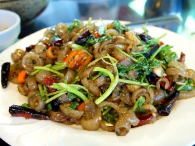 Hunan Mao: Toss Fried Pig Skin with Leek and Hot Pepper