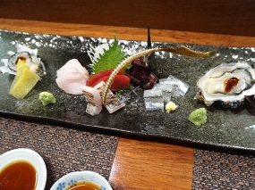 Sashimi platter: Hama Hama oyster, blue-nose snapper, bluefin maguro, beltfish, needlefish. Everything was very good---I particularly liked the seared beltfish---but nothing was outstanding.