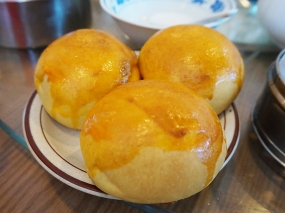The baked pork buns were very good though.