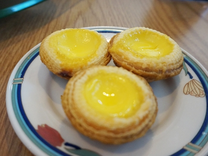 And the egg custard tarts were also good and made me wish they were fresher.