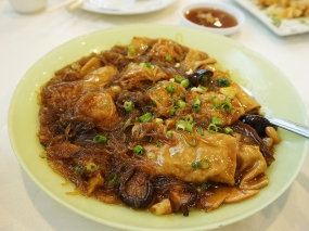 I was less crazy about this dish bean curd sheets stuffed wit pork and braised (along with noodles and dumplings) but my wife loved it.