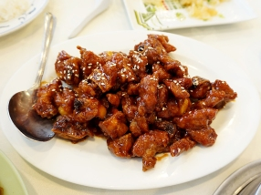 Sweet and crispy Shanghai spareribs. My wife observed that this tasted like it could be an ur-American Chinese dish.