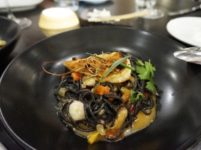 Spaghetti Nero: prawns, mussels, octopus, fra diavolo, fines herbes