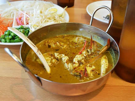 We had actually ordered the fish curry version of this. This was brought out by mistake; we said we'd take it anyway but right after I photographed it the waitress whisked it away anyway and returned with the fish curry. But this is what it looks like.