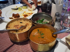 It would have been better if they'd left off the tiffin carrier and served the kababs that typically accompany dhansak. The dhansak itself was a little too mild and lacking sourness.