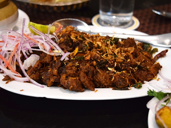 Erachi=beef, though in practice in Delhi it must be buffalo. Anyway, this was very good indeed: rich without being cloying and the meat and spices came together perfectly. Better than anything at Dakshin.