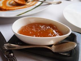 Very good sweet mango chutney.