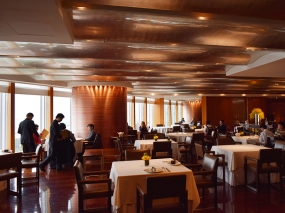 Lung King Heen: Dining Room