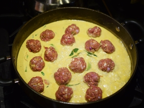 The Meatballs Go In