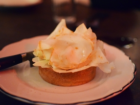 Joe Beef: Tartelette de terrine de foie gras garnie