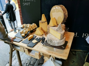 Neal's Yard Dairy, Borough Market: Samples