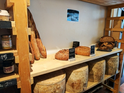 Neal's Yard Dairy, Covent Garden: Bread