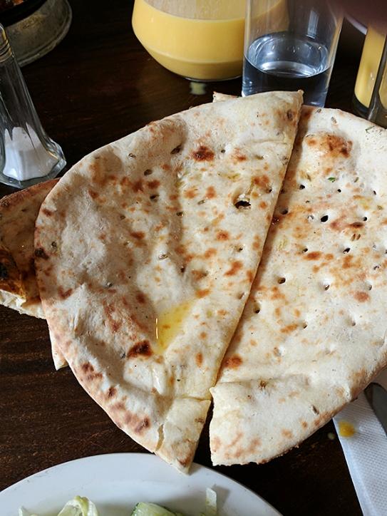 Lahore Kebab House: Naan