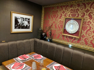 Tayyabs: Decor