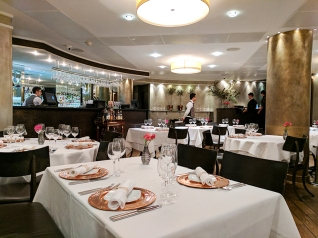 Tamarind: Dining room