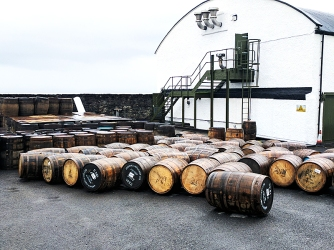 Ardbeg: Casks in the open