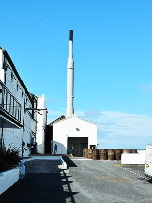 Bowmore: Again with bluer skies