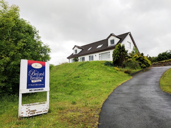 Hillview, Broadford