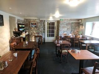 Loch Ness Inn: Breakfast room