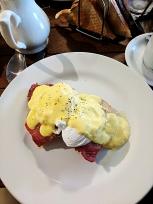 Loch Ness Inn: Eggs Benedict