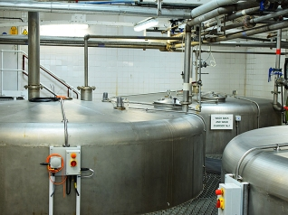 Laphroaig, Distillers' Wares: Washbacks