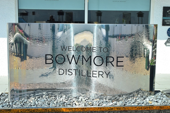 Bowmore: Very shiny