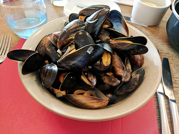 At this meal we decided to try some Scottish lamb; but to be on the safe side. we started with the mussels which were quite good.