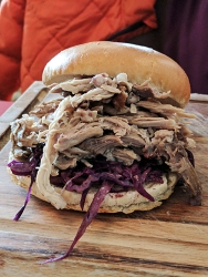 The Islay Hotel: Pulled pork
