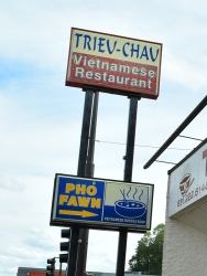 Fawm is the Hmong name for pho, I believe.