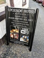 The Lochside Hotel: Free wifi!