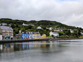 Tarbert: See that blue house?