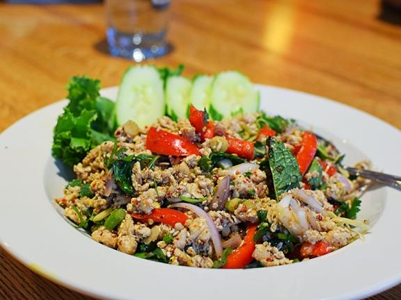 Khun Nai Thai Cuisine: Chicken larb