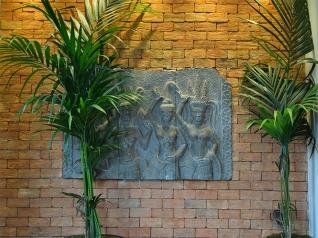 Thai Square: Interior