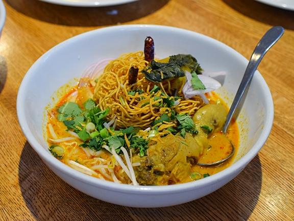 Khun Nai Thai Cuisine: Khao soi