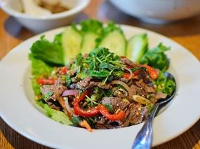 Khun Nai Thai Cuisine: Nam tok nua