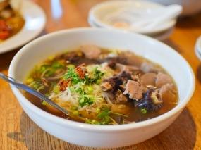 Khun Nai Thai Cuisine: Oxtail noodle soup