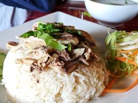 Thai Garden: Dry chicken