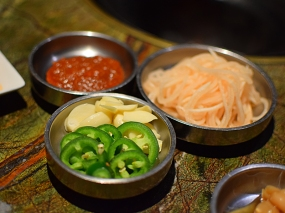 Hansol Noodle and Korean Food: Meat accompaniments