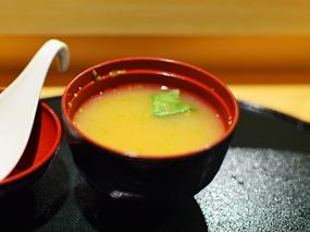 Shiki: Miso soup with nameko mushrooms