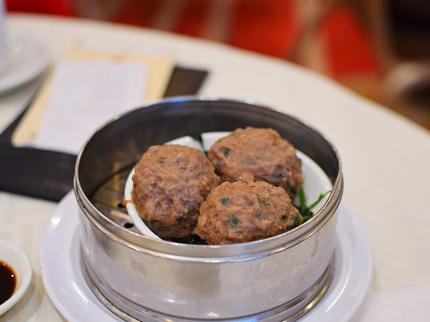 Sea Harbour: Steamed beef ball