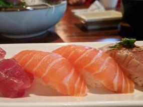 Tenno Sushi: Salmon