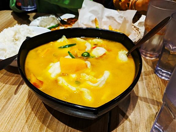 Szechuan: Golden soup with fish