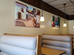 La Colonia: Booths