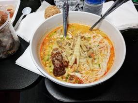 Hmongtown Marketplace: Curry noodle soup