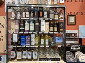 Cadenhead's Edinburgh: 100 mls
