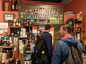 Cadenhead's Edinburgh: Customers