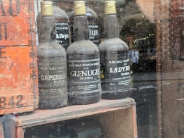Cadenhead's Edinburgh: Old bottles