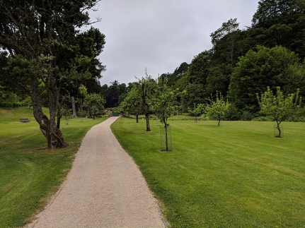 Glen Grant: Approaching the gardens